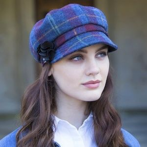 New Ireland Newsboy Wool Rosette Hat Red Blue